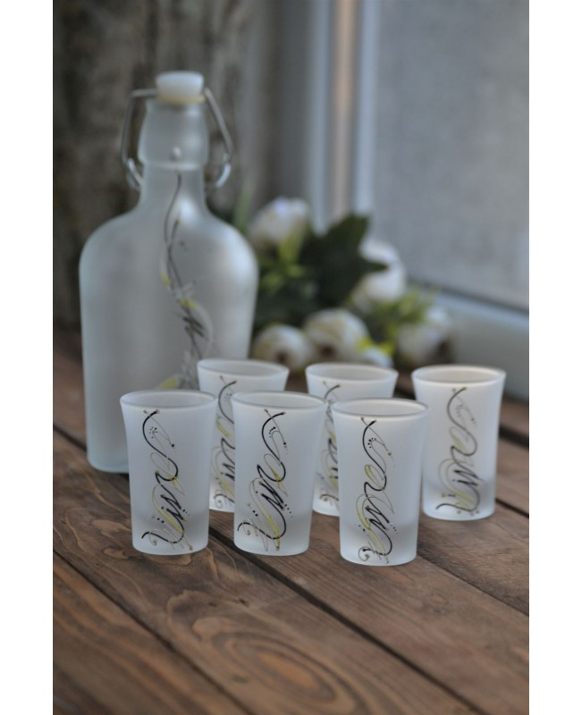 Aperatif glasses set with a bottle