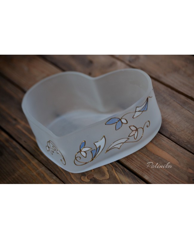 Heart shaped bowl G0422
