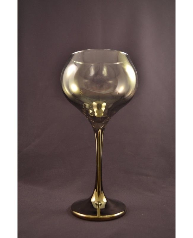 Set of 2 wine glasses with decanter